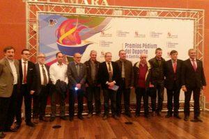 2016-11-04-presidentes-podium
