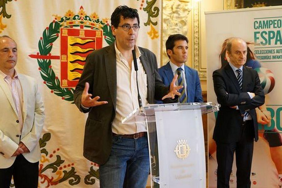 Más de mil deportistas participan en el campeonato de España de voleibol