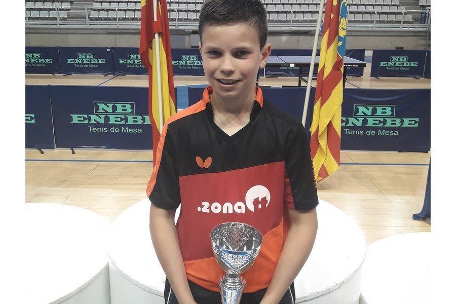 Daniel Berzosa se proclama Maestro Nacional de Tenis de mesa en Alicante
