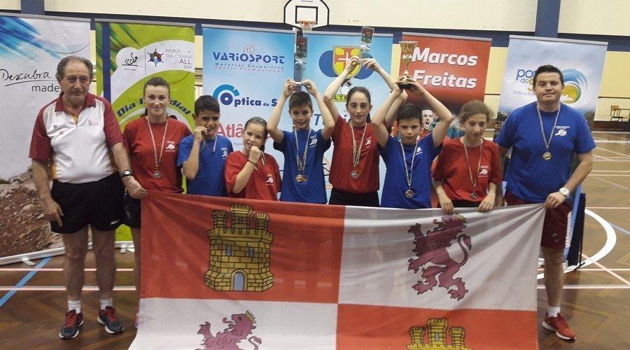 El equipo masculino de Tenis de Mesa, campeón en la XIX edición del Torneo Ibérico 2017
