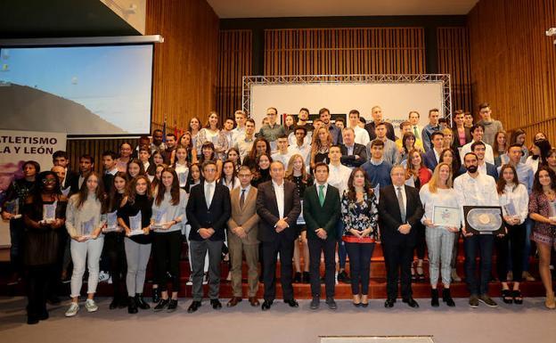 Los mejores atletas de Castilla y León reciben su homenaje en la Gala anual de Atletismo