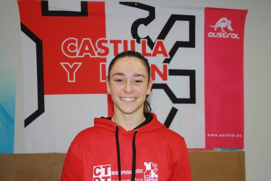 Los triatletas de Castilla y León preparan la próxima temporada en el CAR de Sierra Nevada