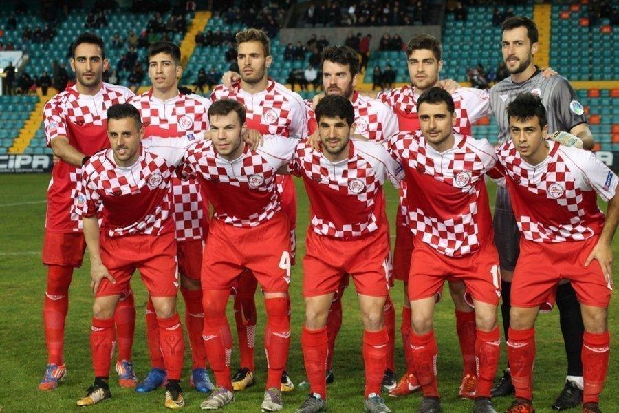 Castilla y León en la fase final de la XI Copa Regiones UEFA tras vencer a Cataluña con un solvente 2-0