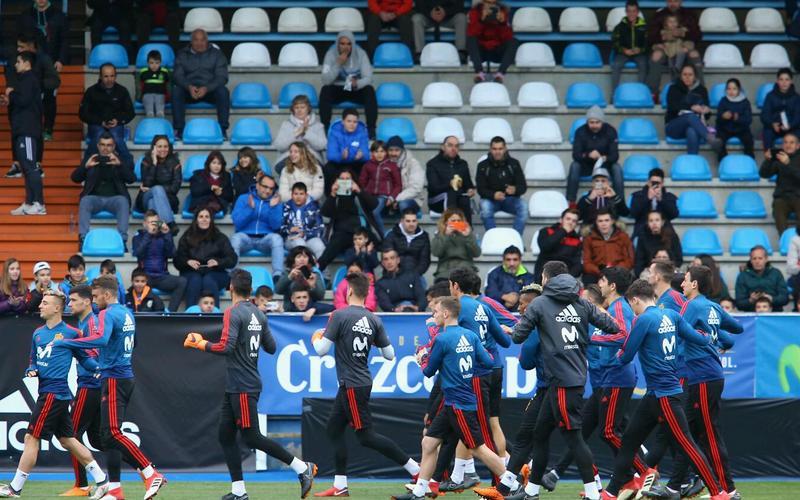 Gran ambiente en El Toralín para ver a la selección sub21 de fútbol en su encuentro de clasificación para el Europeo