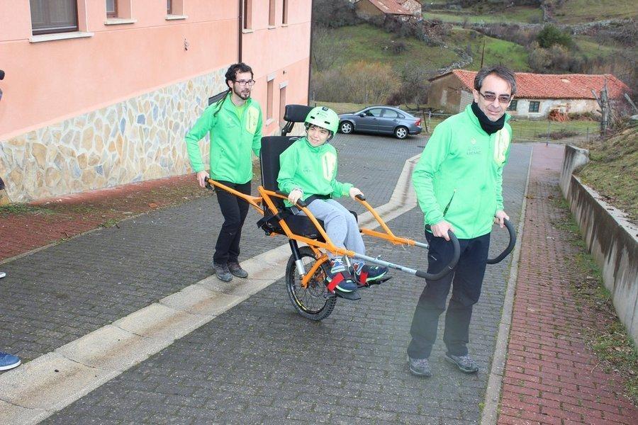 El Pico Valdecebollas, en Palencia, estrena el proyecto 'Cumbres para Todos' de montañismo inclusivo