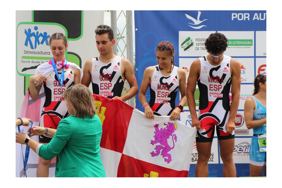 Kevin Viñuela y Marina Muñoz convocados para el campeonato de Europa de Triatlón