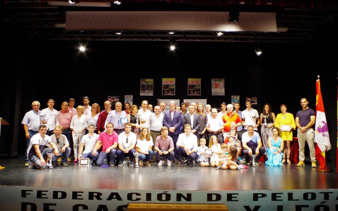 La Pelota regional se viste de gala en Pedrajas