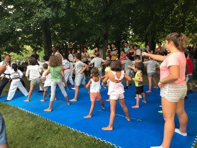 Cientos de familias disfrutan en la III Feria del Deporte celebrada en el Paseo de Las Moreras