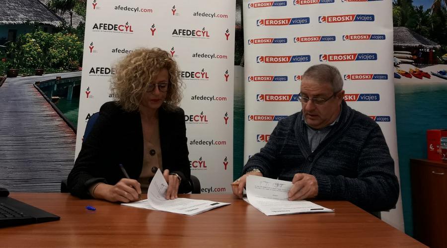 AFEDECyL firma un convenio con viajes EROSKI para organizar los desplazamientos deportivos de sus socios
