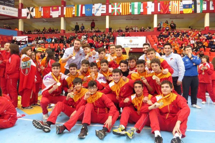 La selección cadete de Balonmano se cuelga el oro tras un campeonato impecable
