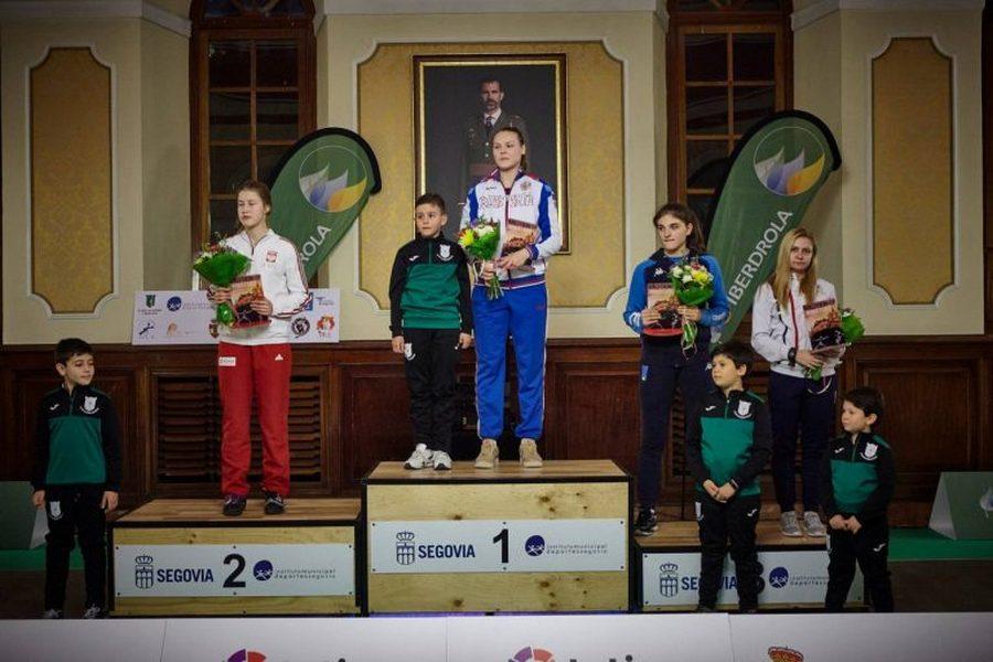 La rusa Alina Mikhailova gana la Copa del Mundo junior de sable, en Segovia, por segundo año consecutivo
