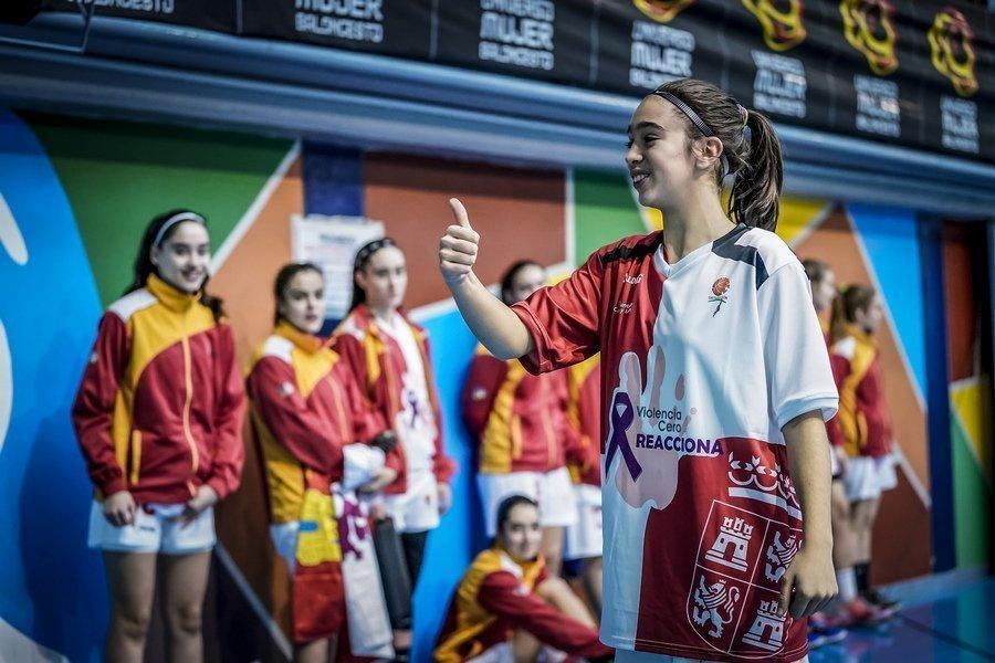 El baloncesto de Castilla y León compite en el Nacional de Huelva con la equipación #Yodigocero