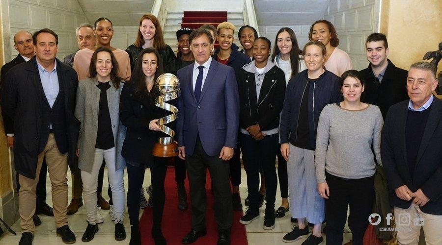 El Perfumera Avenidas agranda su historia con la conquista de su octava Copa de la Reina