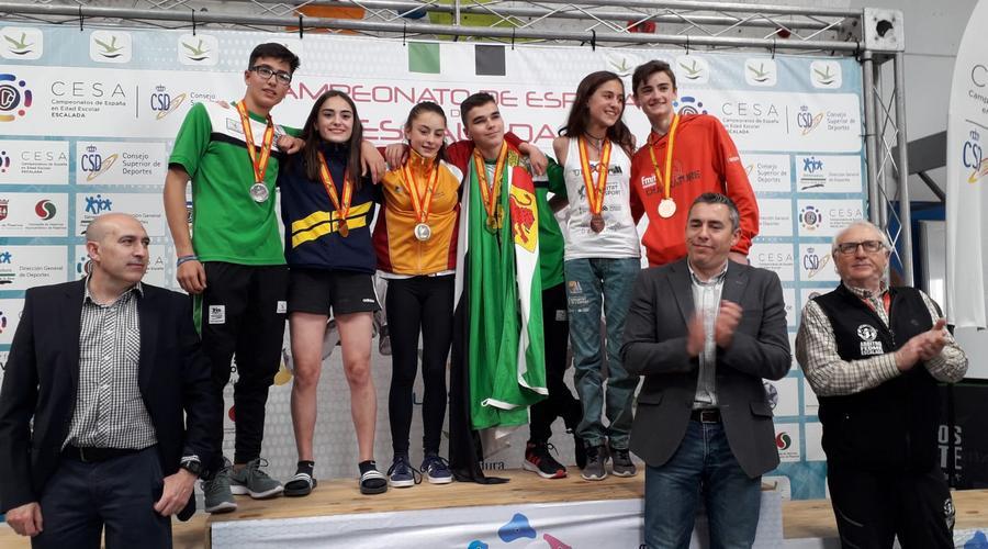 La escaladora vallisoletana Iziar Martínez, campeona de España cadete de escalada