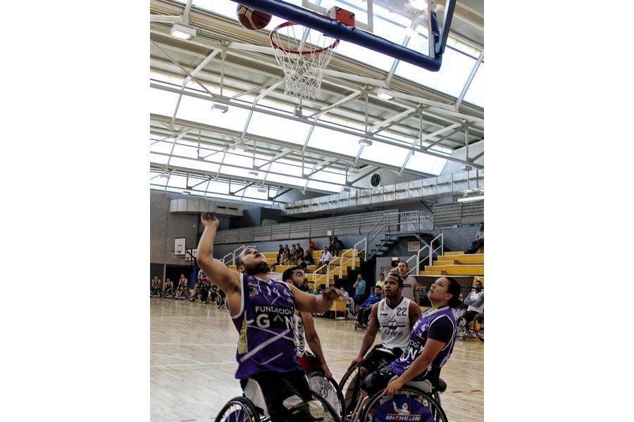 Palencia recupera el mejor baloncesto en silla de ruedas con la Copa Fedeacyl de Castilla y León
