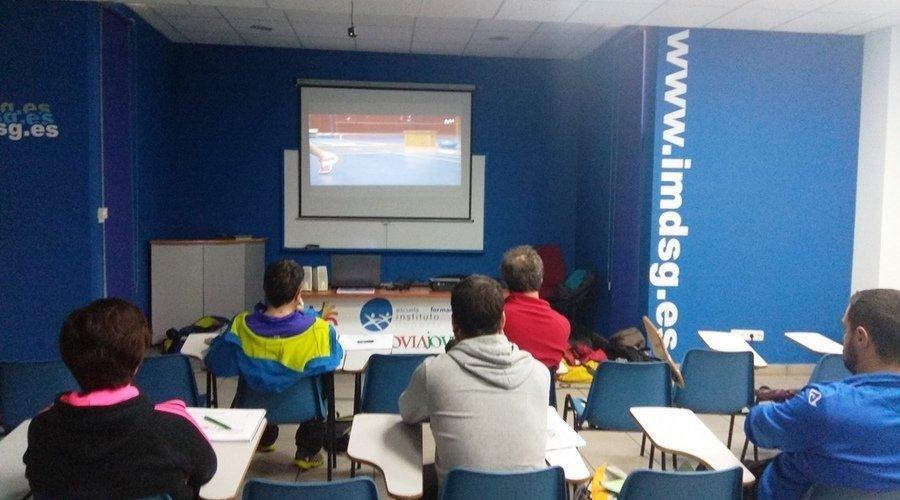 Afedecyl estrena su plataforma online de formación con el curso de entrenador de Bádminton nivel I
