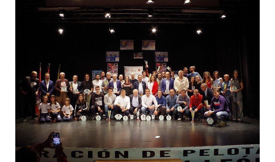 La pelota de Castilla y León rinde homenaje a los mejores de la temporada en su Gala anual