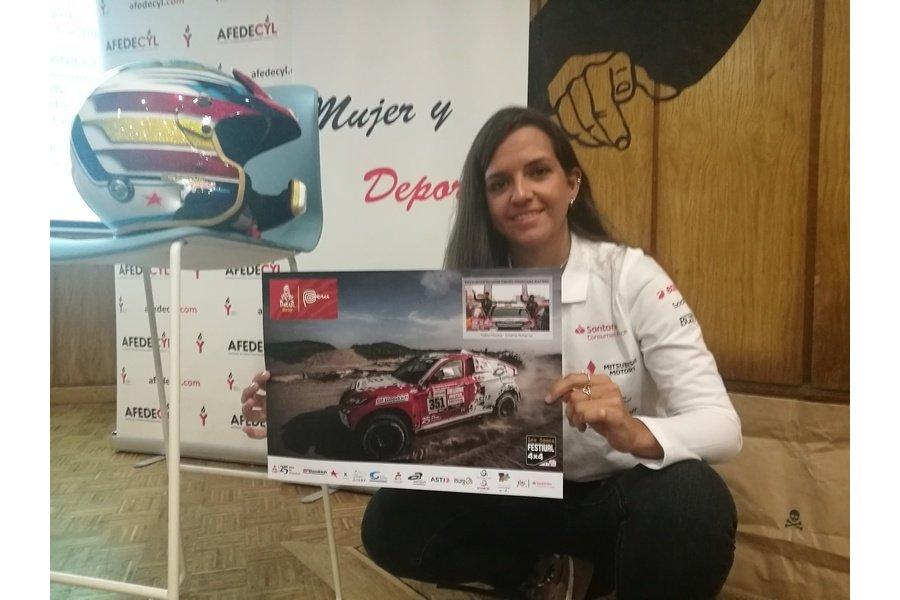 La piloto Cristina Gutiérrez desvela a los alumnos de Burgos algunos de sus secretos del éxito, como embajadora de Igualdad de Afedecyl