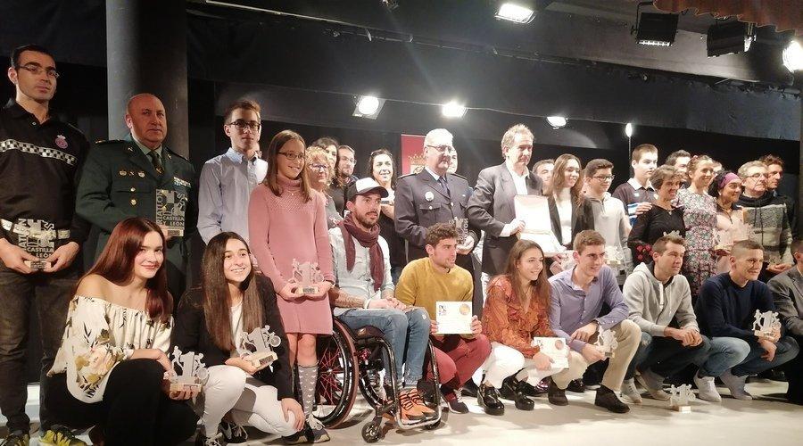 El triatlón de Castilla y León celebra en Cuéllar la Gala 2019 que reconoce a Kevin Viñuela con la medalla de oro