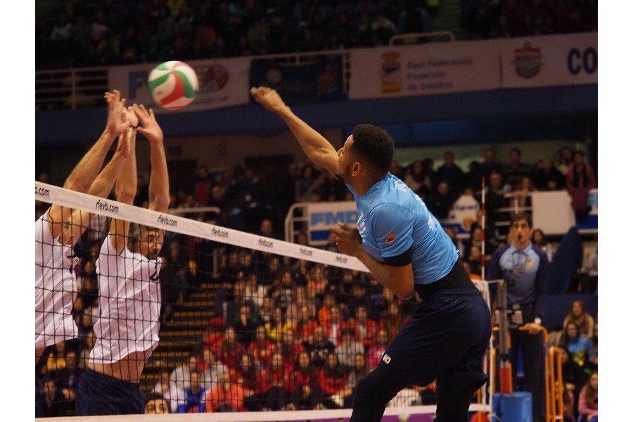 Cinco mil espectadores arropan a los All Star de la Superliga Masculina de Voleibol en el Pisuerga