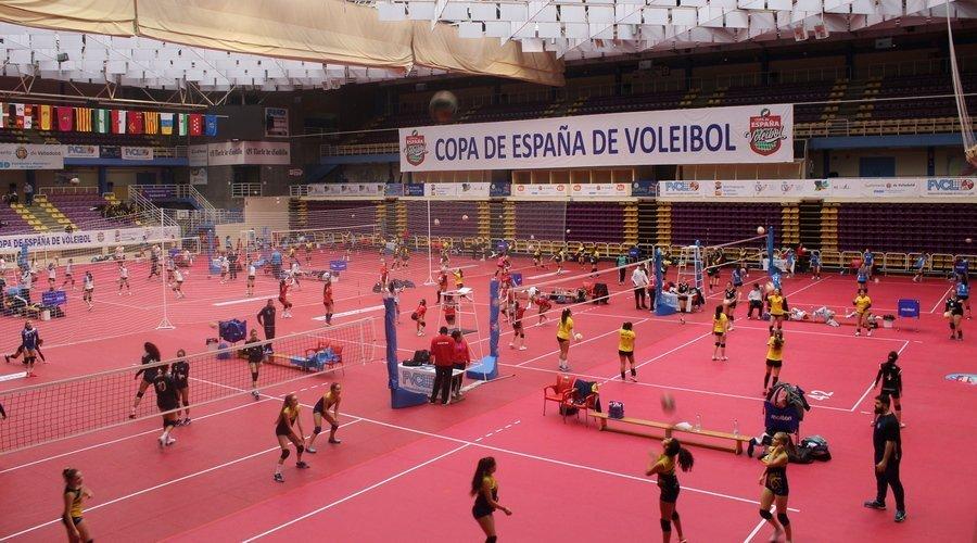 El voleibol inunda las calles de Valladolid con la llegada de 239 equipos para disputar la Copa de España