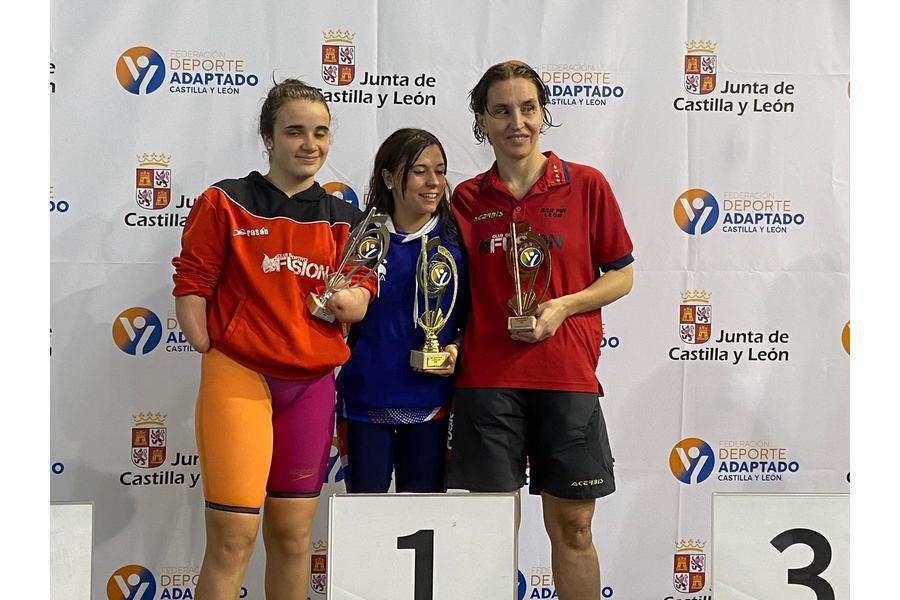 La palentina Ester Rodríguez y el segoviano Álvaro de Frutos, campeones de la Liga de Natación Adaptada de Castilla y León