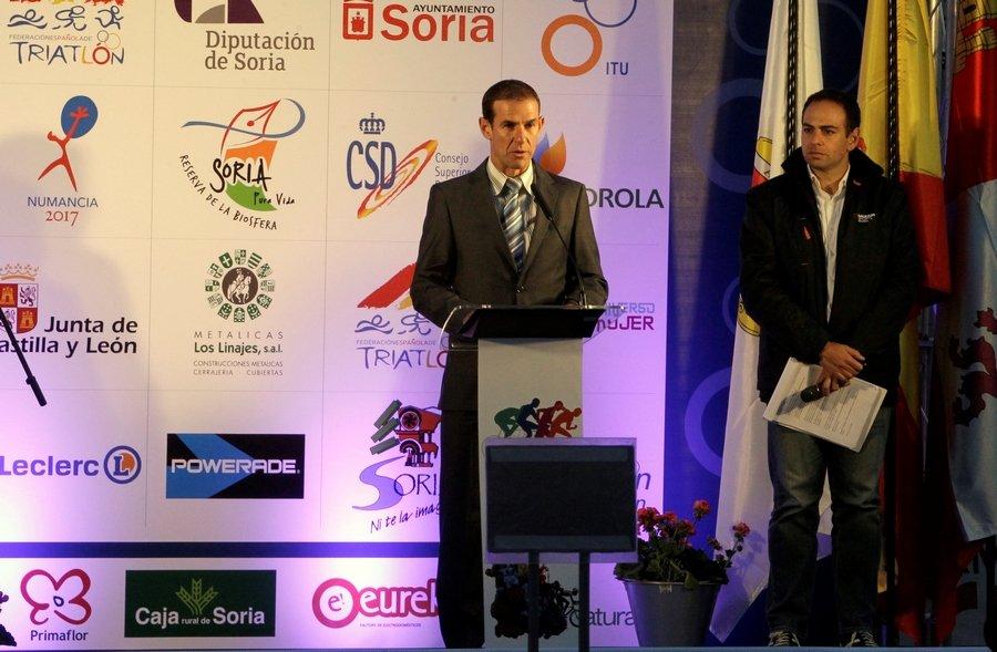 Amancio del Castillo, cuatro años más en la presidencia de la Federación regional de Triatlón