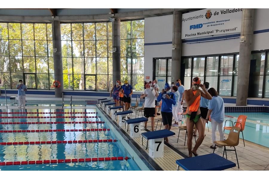 Vuelve la competición oficial de natación a la piscina de Parquesol