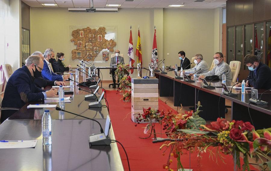 La Ley del Deporte de Castilla y León actualiza las profesiones de entrenador y monitor deportivo